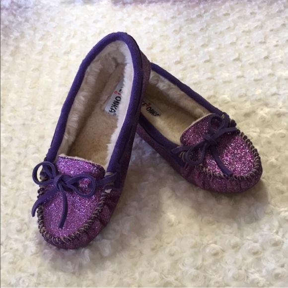 6183cd125f66 Minnetonka Purple Sparkle Shoes Glitter Moccasins.  M 5ade05b400450f069008a754